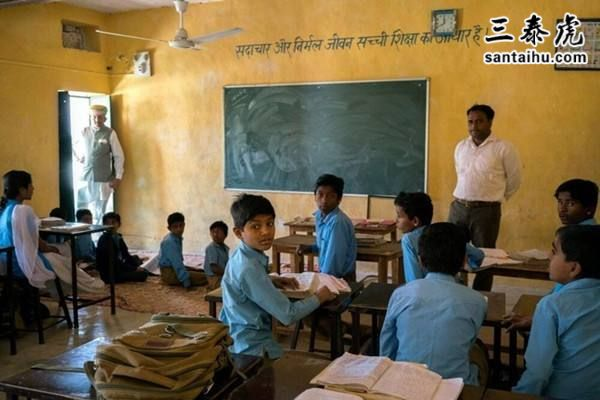 印度学生,<a href=http://www.santaihu.com/e/tags/?tagname=%E5%8D%B0%E5%BA%A6%E6%95%99 target=_blank class=infotextkey>印度教</a>室