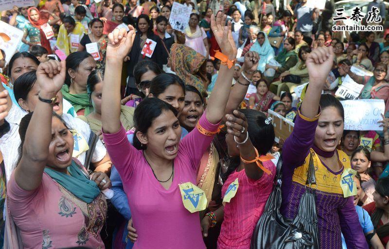 印度妇女抗议强奸案