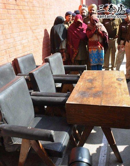 heritage-furniture-theft.jpg